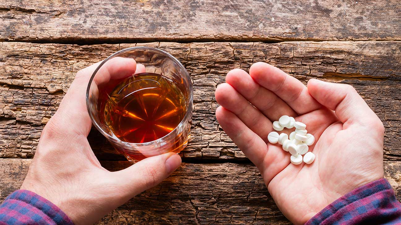 Dangers Of Mixing Oxycodone And Alcohol